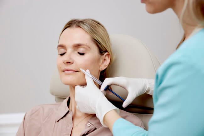 Kosmetisk sygeplejerske Pia: Restylane udvisker dine træthedstegn